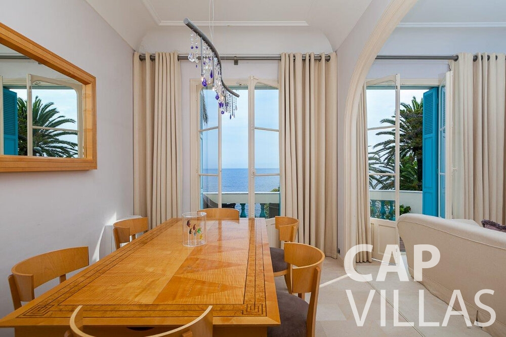holiday Villa Blossom capdail dining room