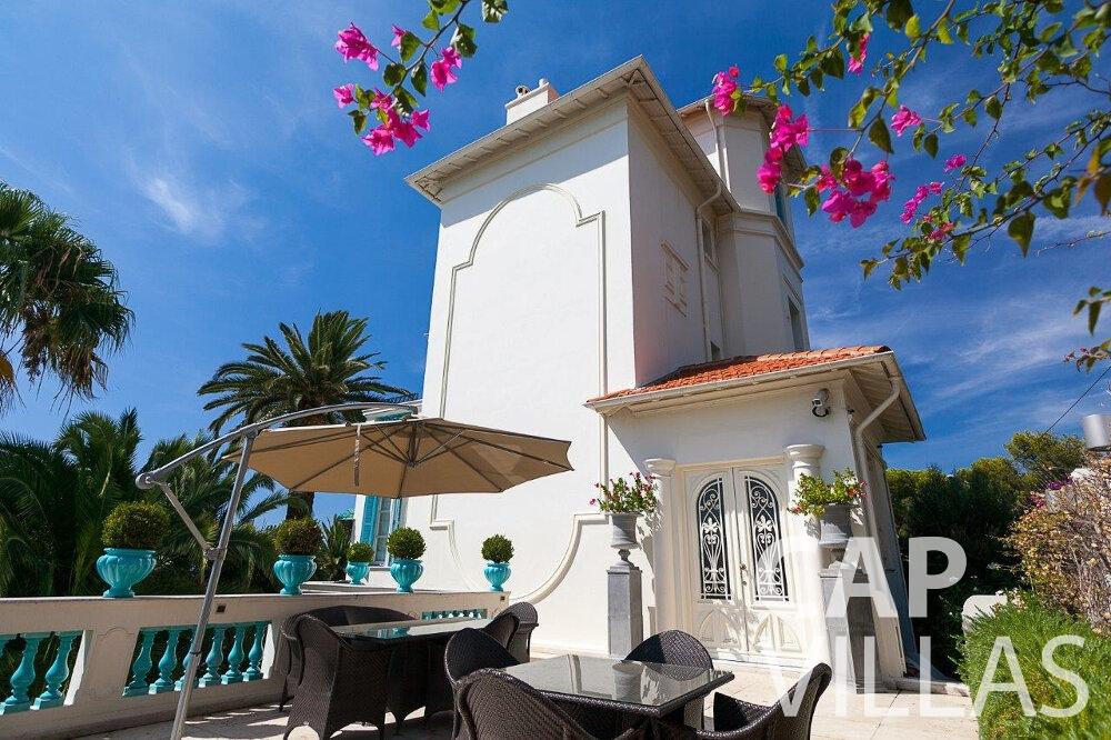 let Villa Blossom capdail property