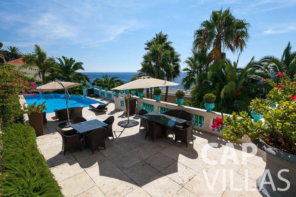 rent Villa Blossom capdail terrace