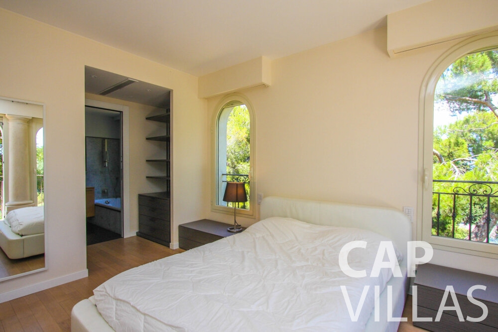 holiday Villa Camellia cap dail bedroom
