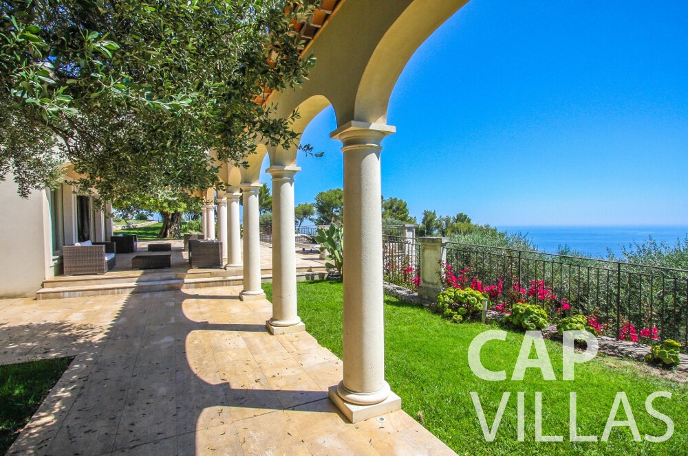 let Villa Camellia cap dail outdoors