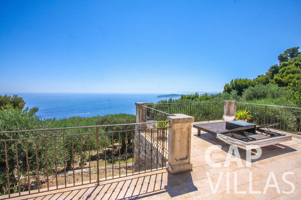 let Villa Camellia cap dail terrace