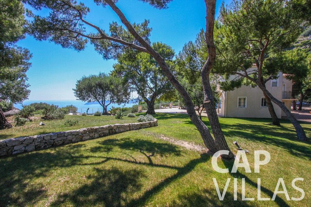 rent Villa Camellia cap dail garden