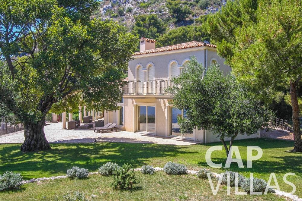 rent Villa Camellia cap dail property