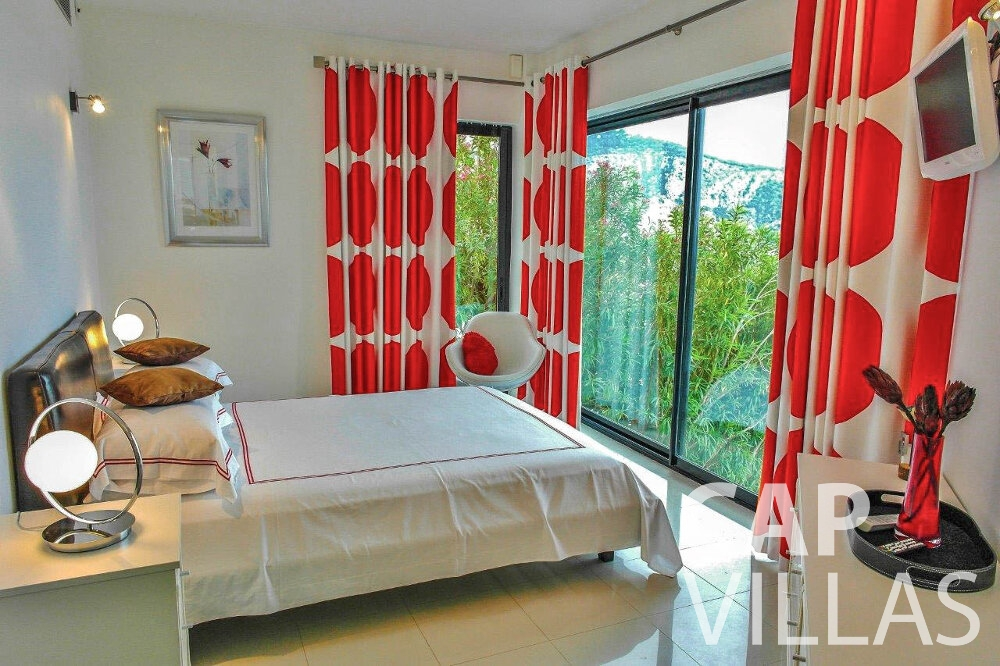 rent Villa Gardenia eze bedroom