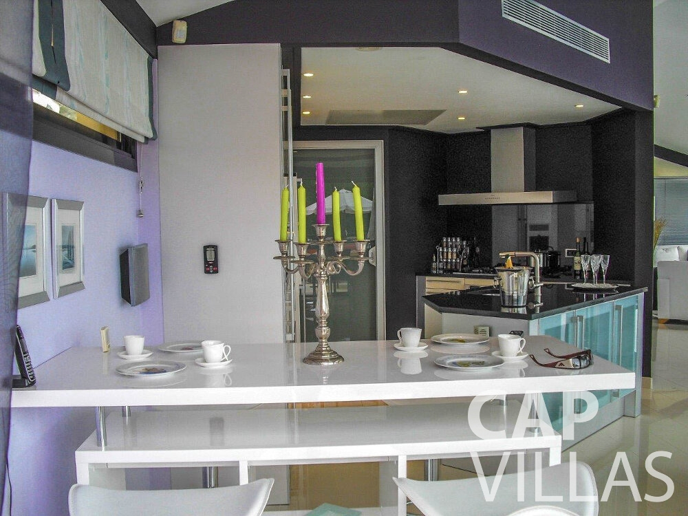 rent Villa Gardenia eze kitchen