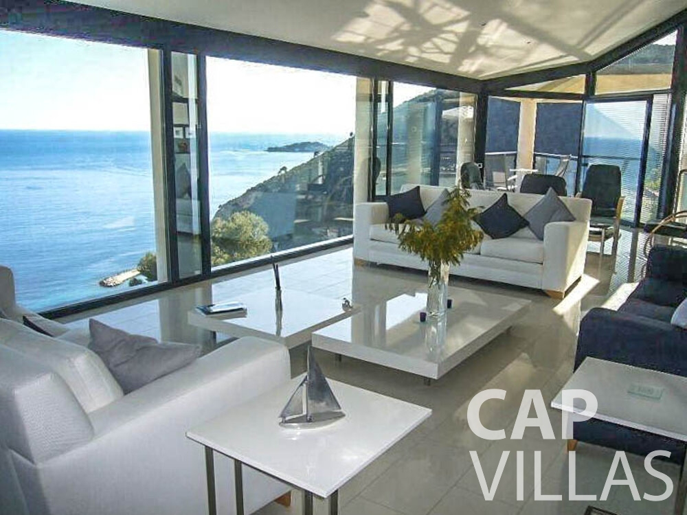 rent Villa Gardenia eze living area
