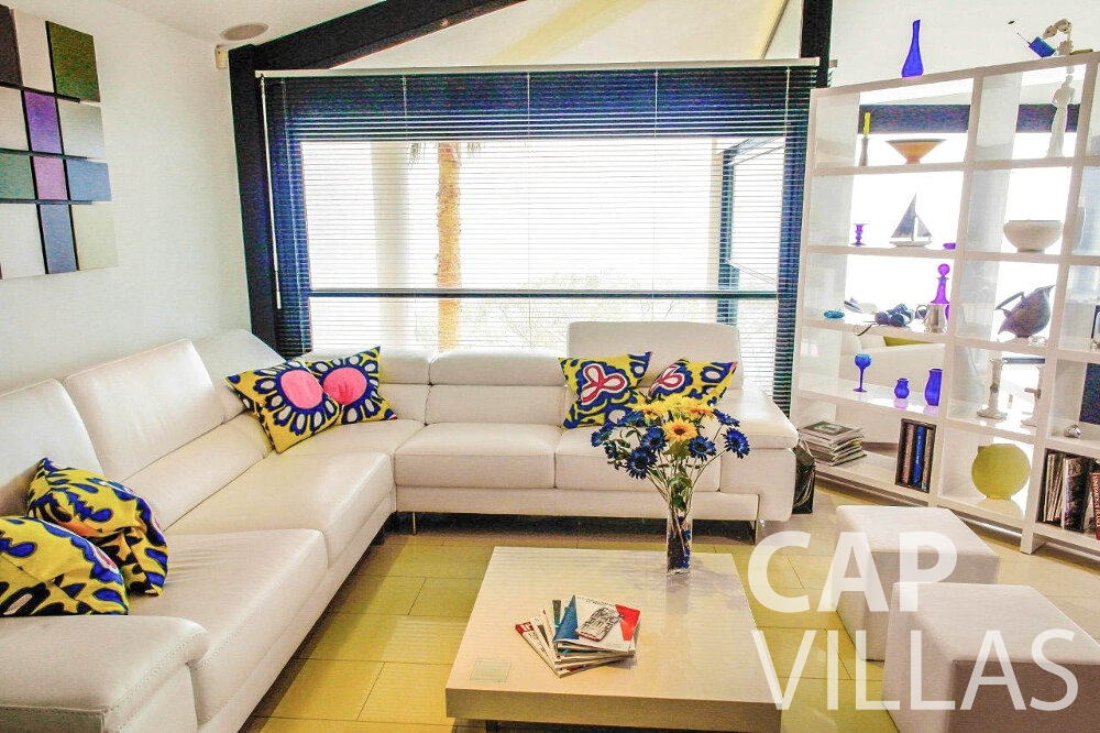 rent Villa Gardenia eze living room