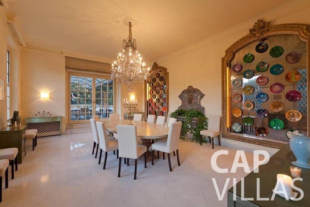 let Villa Lila cap dantibes living room
