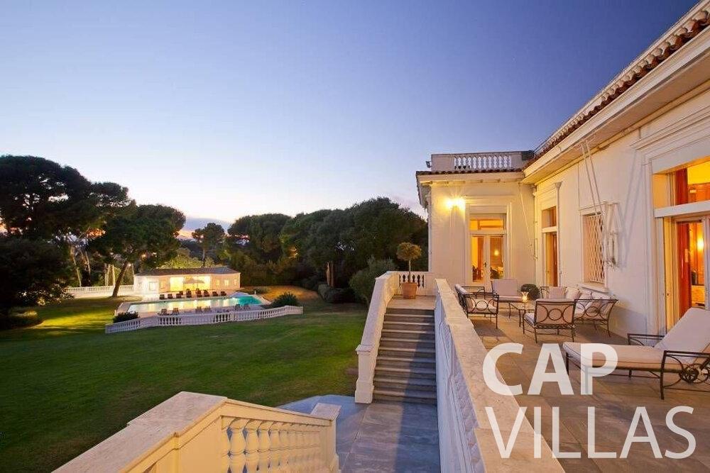 let Villa Lila cap dantibes terrace