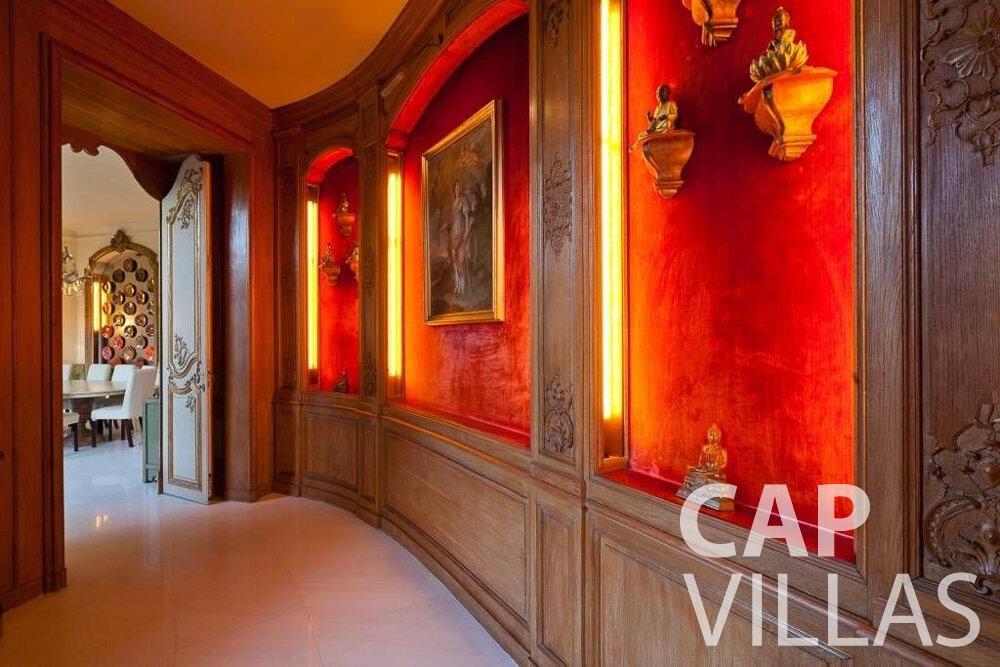 rent Villa Lila cap dantibes hallway