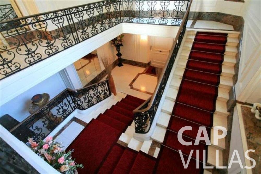 rent Villa Lila cap dantibes stairs