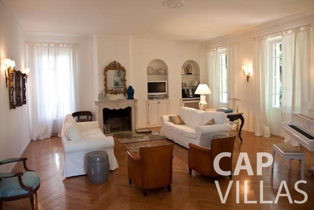 rent Villa Magnolia cap dantibes living area