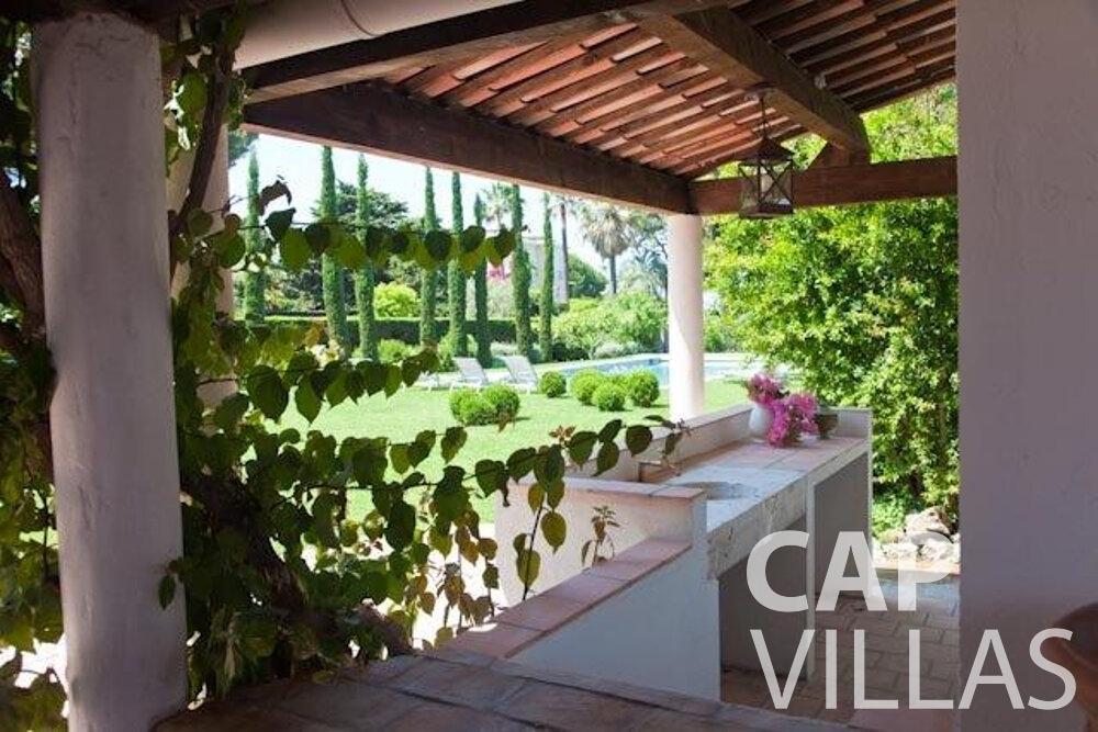 rent Villa Magnolia cap dantibes terrace