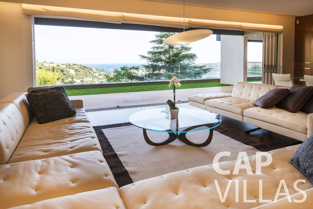 holiday house for sale villefranche couch