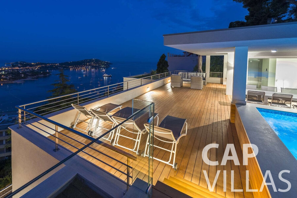 holiday house for sale villefranche deck chairs