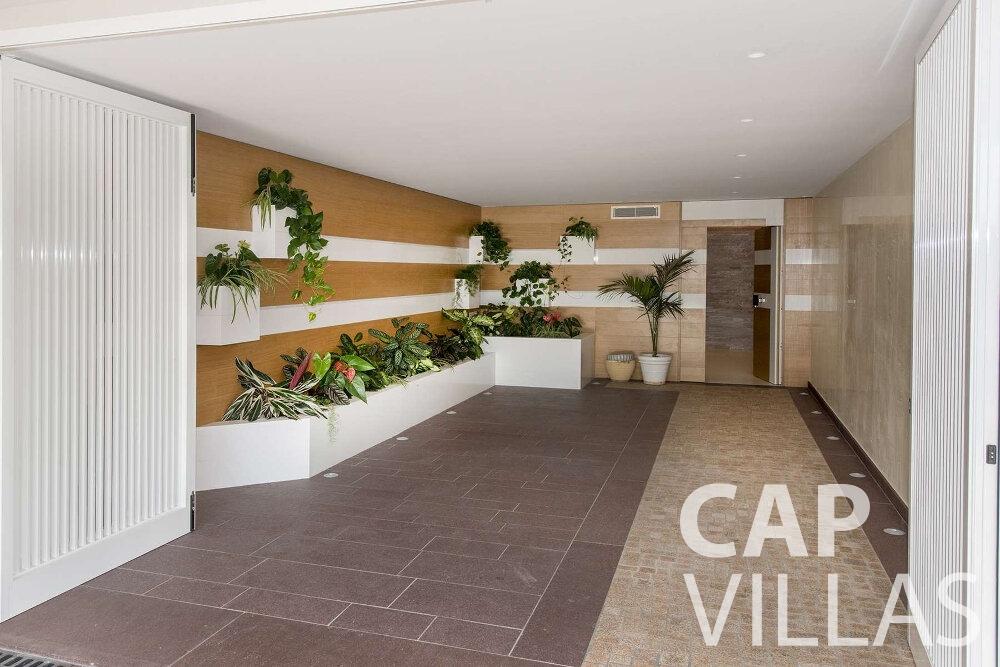 holiday house for sale villefranche plants