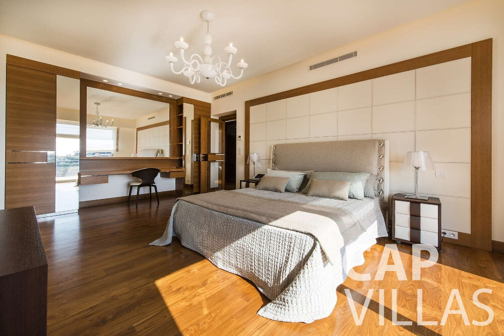 villa for sale villefranche bed and chandelier