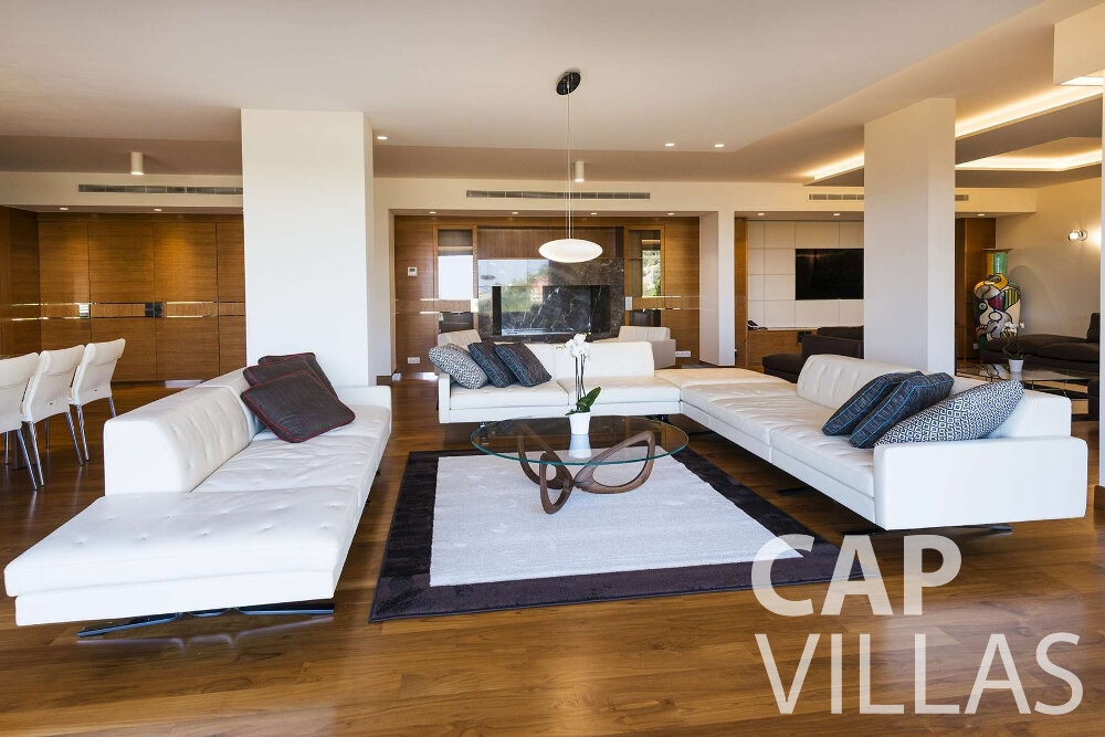 villa for sale villefranche open plan lounge