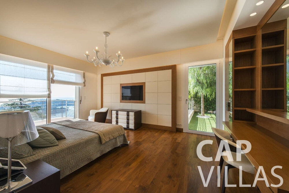 villa for sale villefranche seaview bedroom