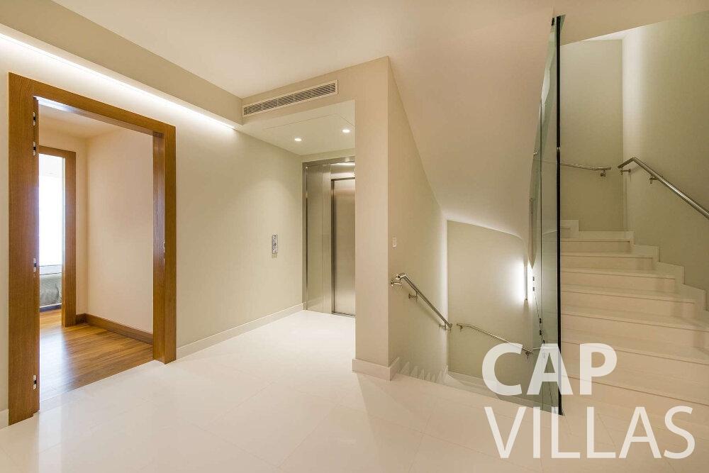 villa for sale villefranche stairwell