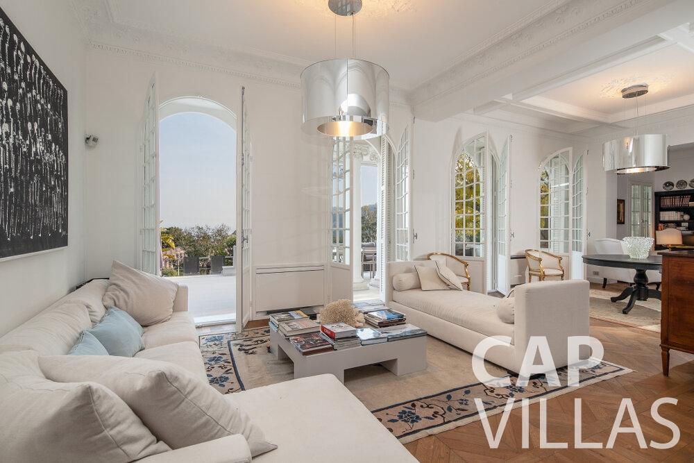 let Villa Senna villefranche living room