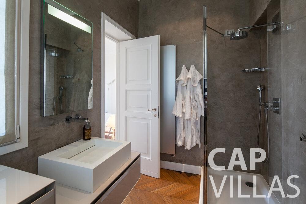 rent Villa Senna villefranche batoom