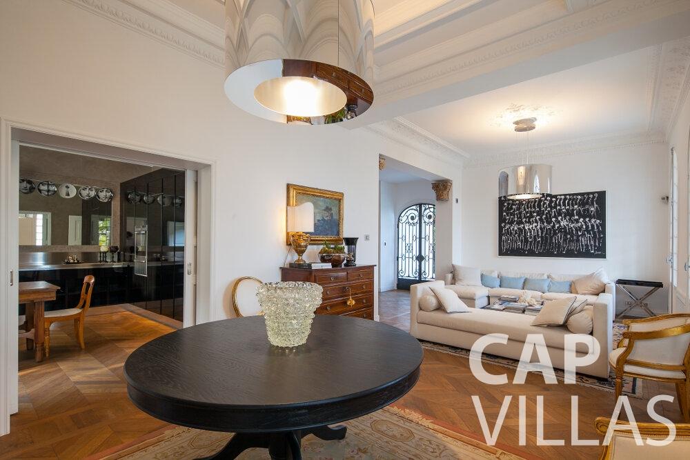 rent Villa Senna villefranche living area