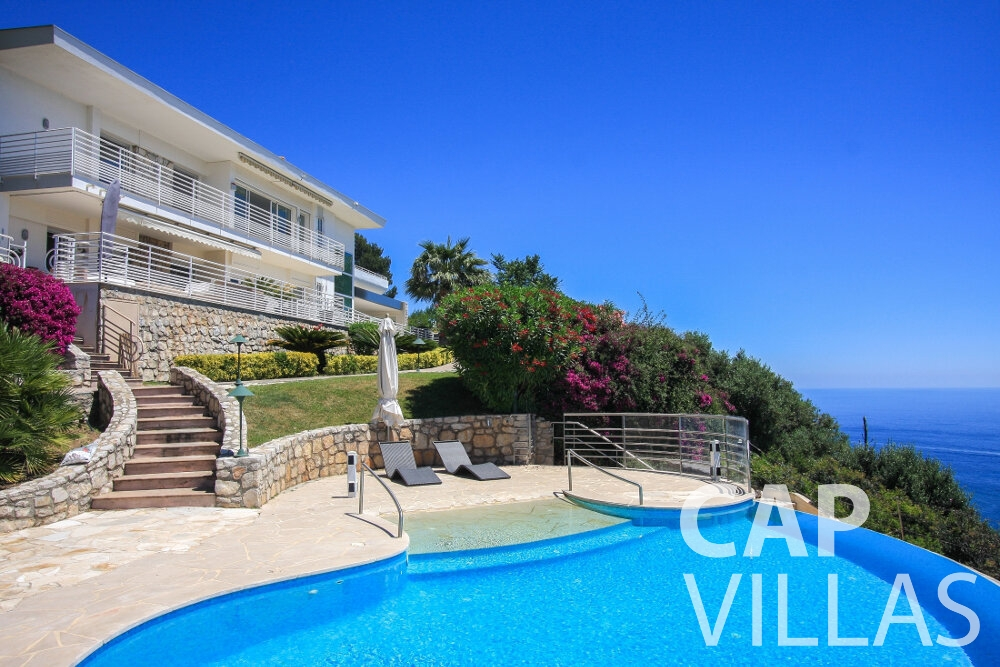 rent Villa Delphine cap dail swimming pool