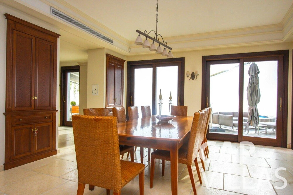 rent Villa Iris cap dail dining room
