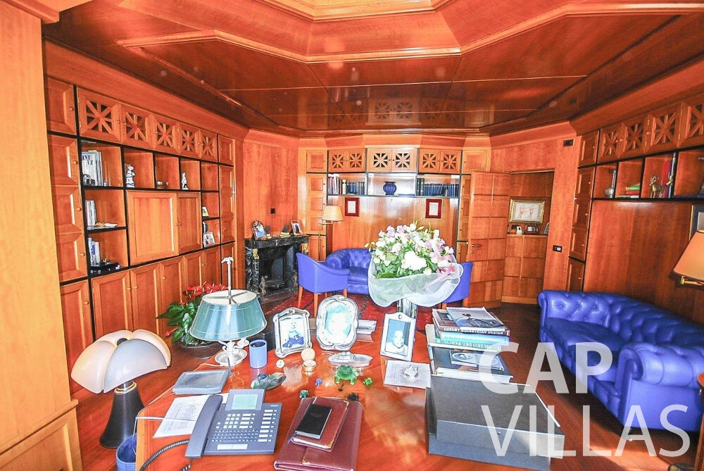 rent Villa Acacia beaulieu office room