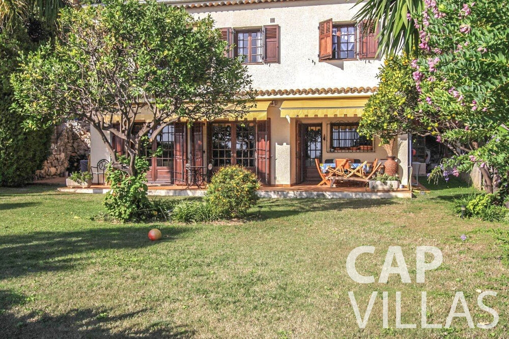 villa for sale cap dail outdoor view