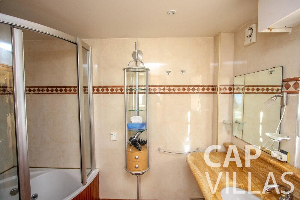rent Villa Fiorello villefranche batoom