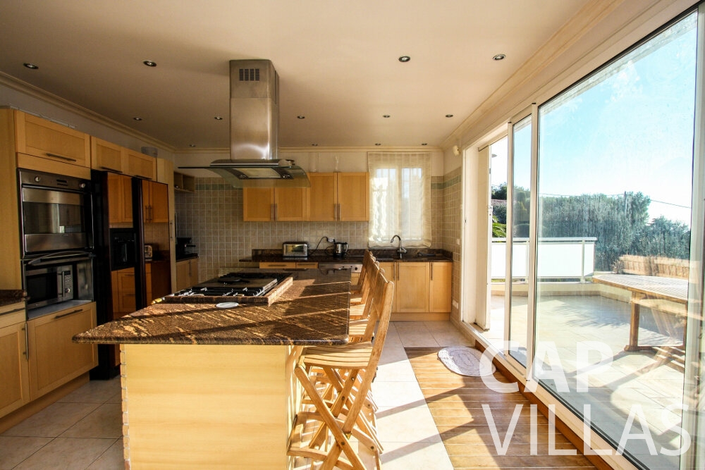 rent Villa Fiorello villefranche kitchen
