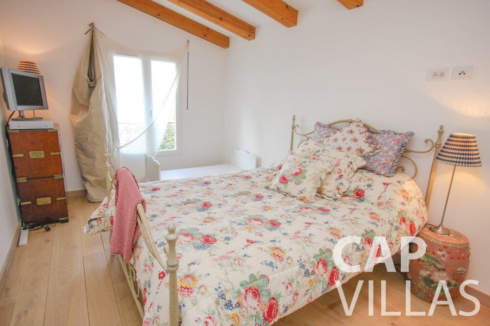 holiday house for sale cap de nice bedroom