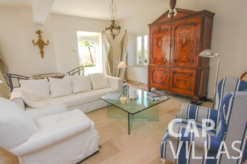holiday house for sale cap de nice main room