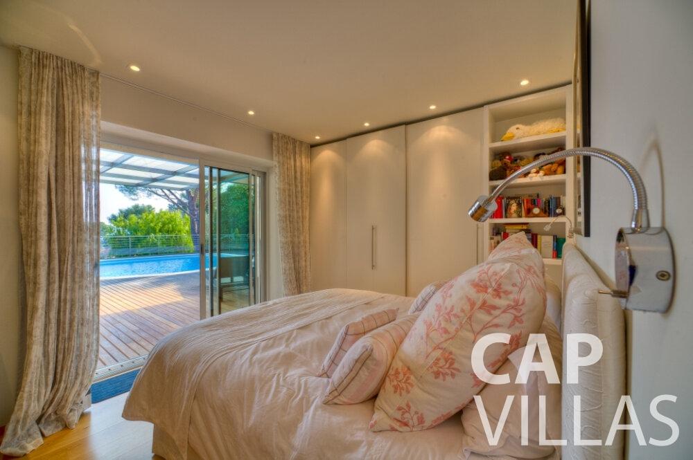 rent Villa Tulip cap ferrat bedroom