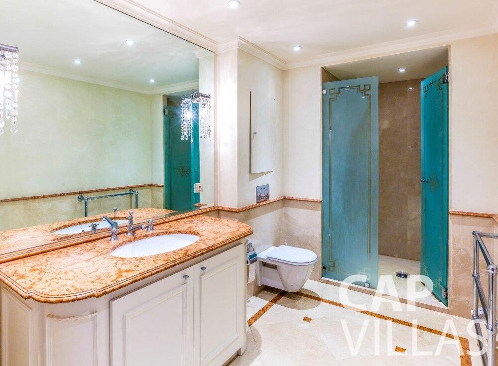 rent Villa Aster cap ferrat batoom