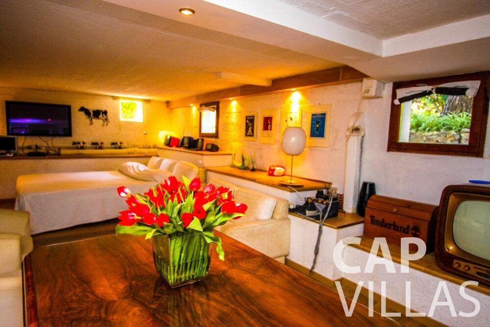 let Villa Fleur cap ferrat bedroom
