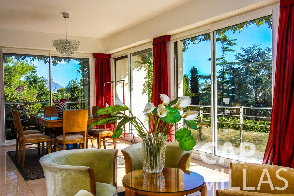 let Villa Fleur cap ferrat living area