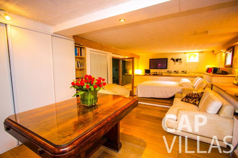 rent Villa Fleur cap ferrat bedroom