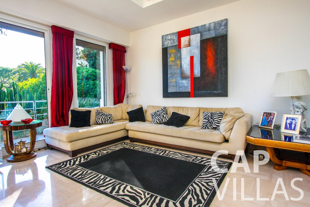 rent Villa Fleur cap ferrat living room