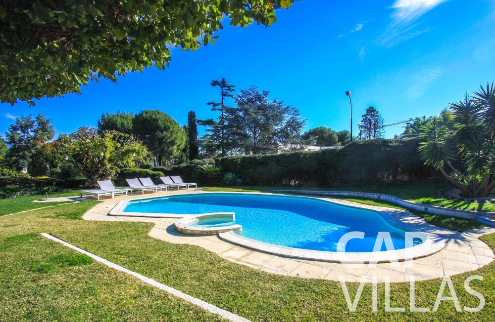 rent Villa Fleur cap ferrat swimming pool