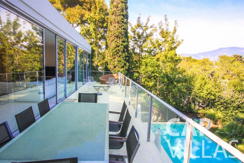 rent Villa Ivy cap ferrat balcony
