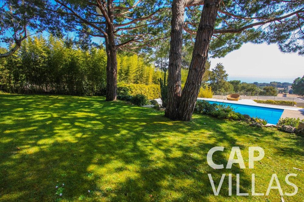 let Villa Lavender cap ferrat garden