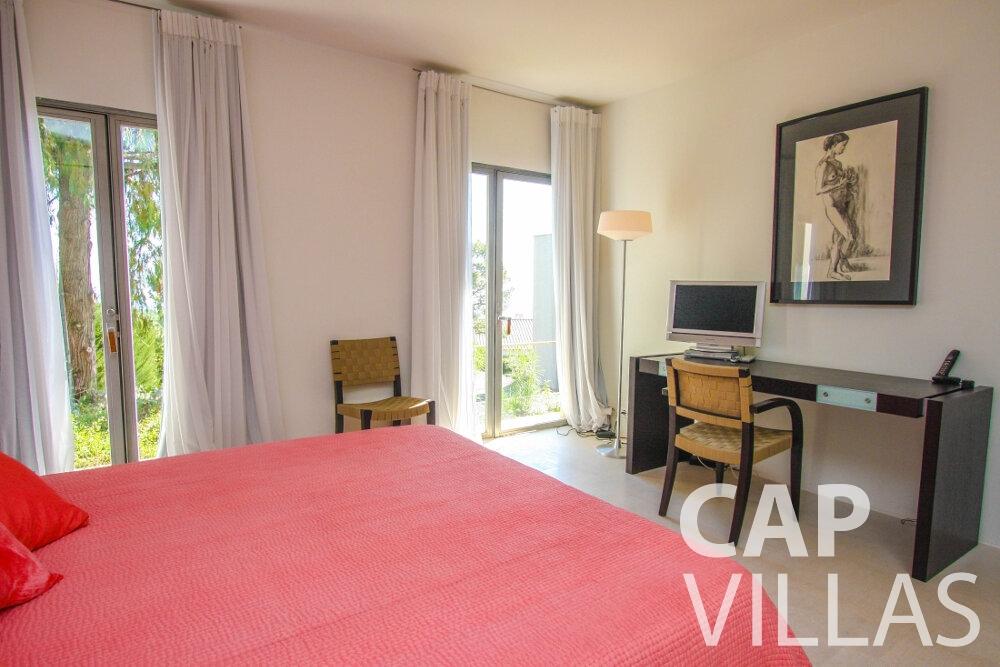 rent Villa Lavender cap ferrat bedroom
