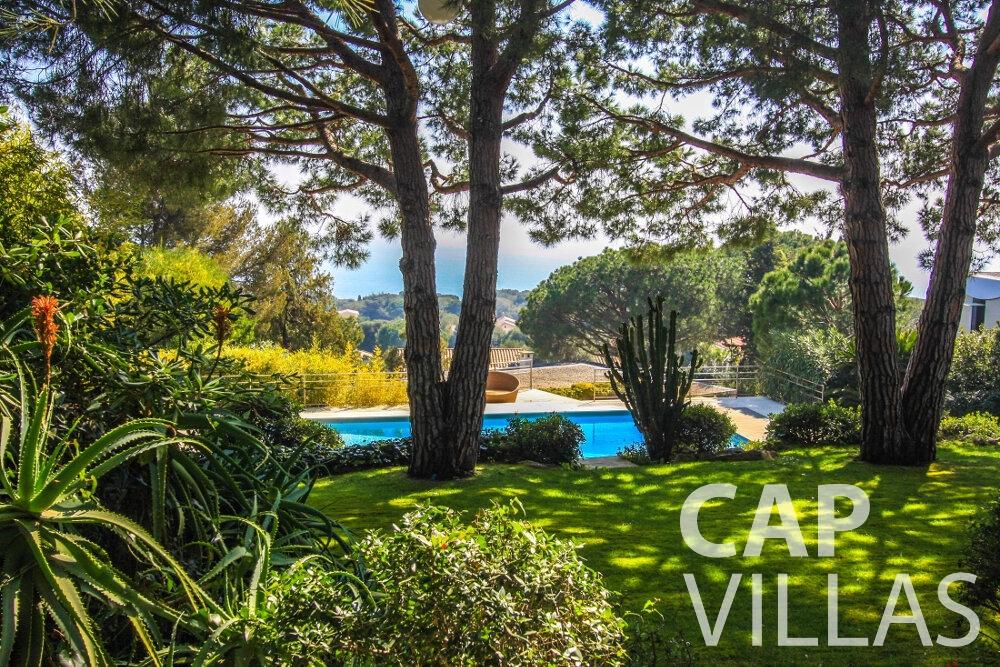 rent Villa Lavender cap ferrat garden