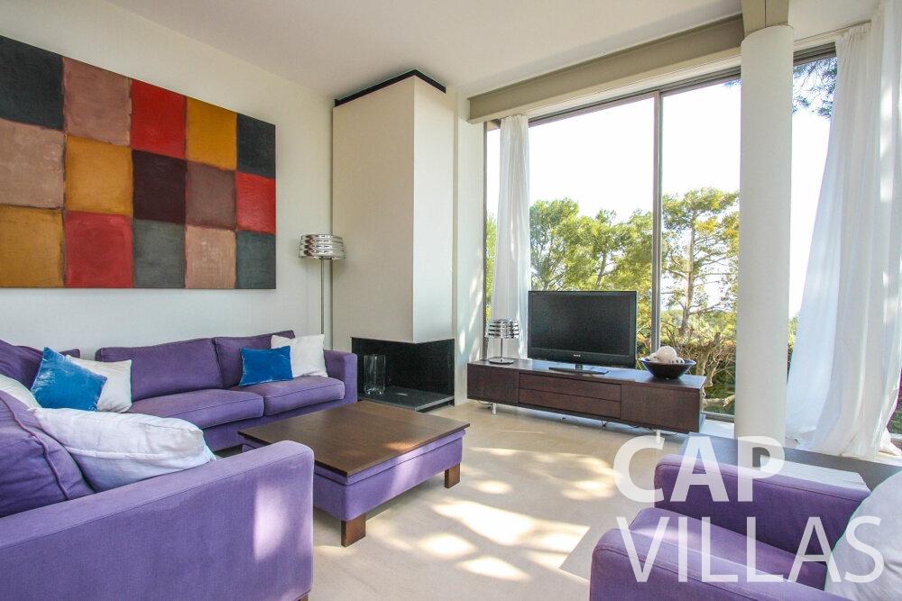 rent Villa Lavender cap ferrat living area