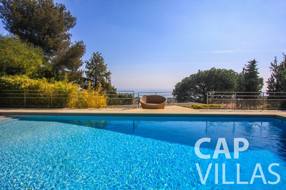 rent Villa Lavender cap ferrat swimming pool