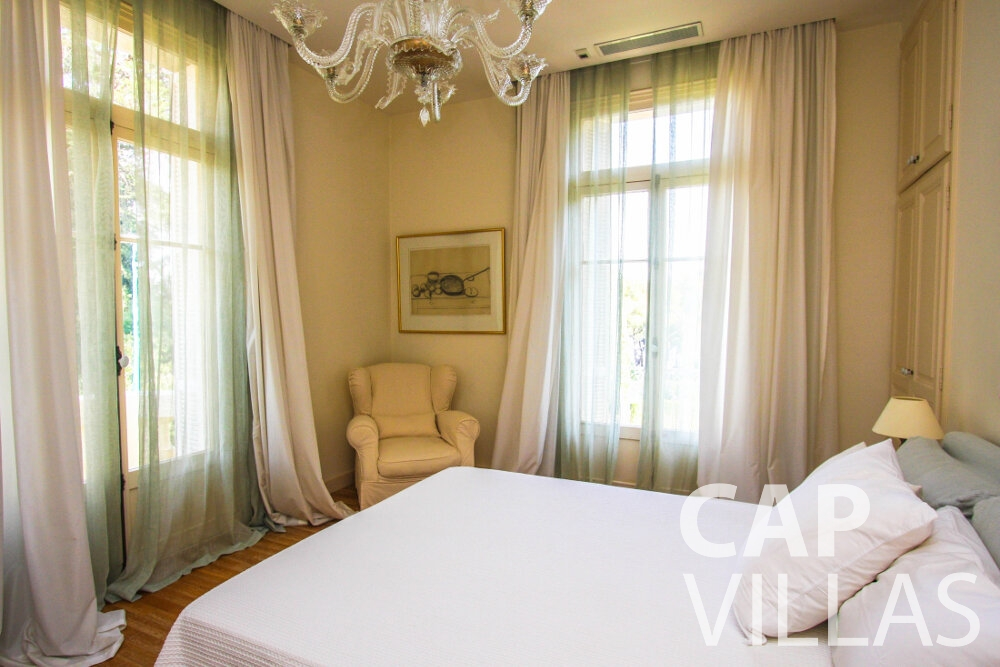 holiday rental Villa Antonio cap ferrat bedroom